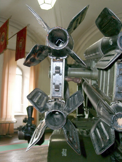 Советская боевая машина реактивной артиллерии БМ-13 (66 обоев)