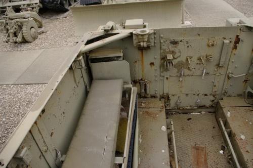 Американский полугусеничный бронетранспортёр M5 Halftrack (65 фото)
