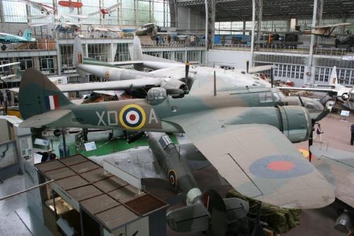 Британский скоростной лёгкий бомбардировщик Bristol Blenheim Mk IV (34 фото)