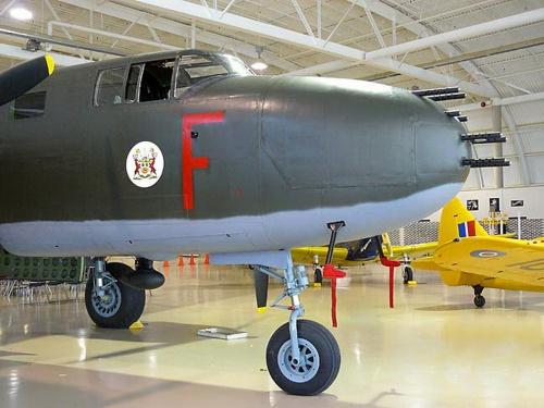 Американский средний бомбардировщик North American B-25 Mitchell (32 фото)