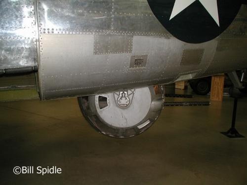 Американский тяжёлый бомбардировщик B-24J Liberator (39 фото)
