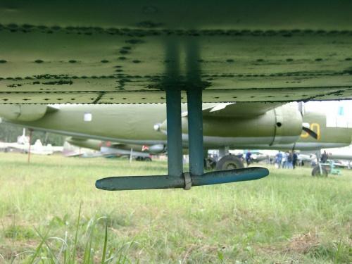 Советский военно-транспортный самолёт ЛИ-2 (59 фото)