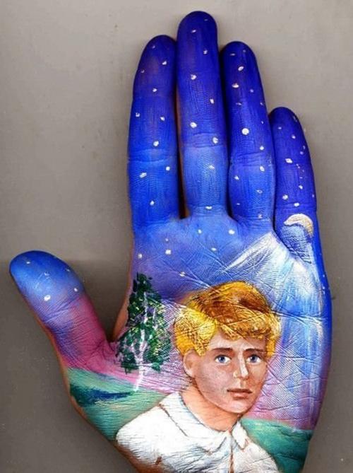 Сказки на ладонях российской художницы Светланы Колосовой (10 фото)