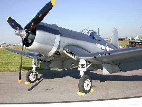 Фотообзор - американский палубный истребитель F4U-1A Corsair (24 фото)