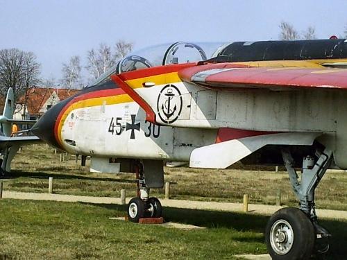 Фотообзор - европейский истребитель бомбардировщик Tornado IDS (74 фото)