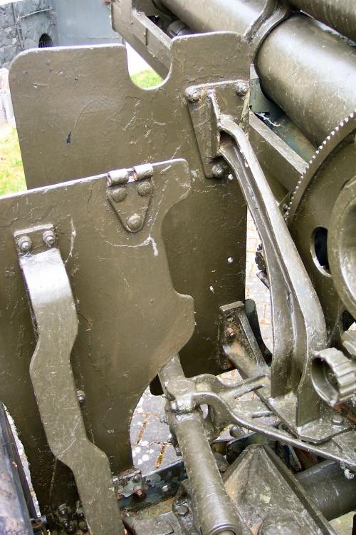 Фотообзор - американская гаубица M101 калибра 105mm (32 фото)