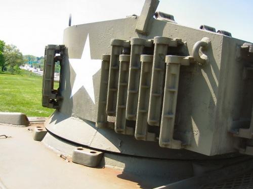 Фотообзор - американский легкий танк M-5A1 Stuart (32 фото)
