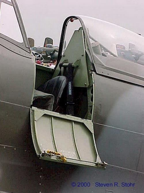Фотообзор - британский истребитель Supermarine Spitfire FR Mk. XVIIIe (32 фото)