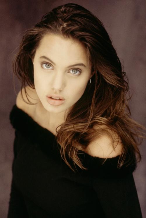 Angelina Jolie - Early Photoshoots (1991) (50 фото)