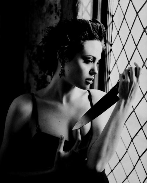 Angelina Jolie - George Holz Photoshoot 1998 for People Magazine (36 фото)