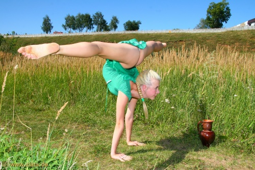 Natural Wonder. Flexible Girl (132 фото)