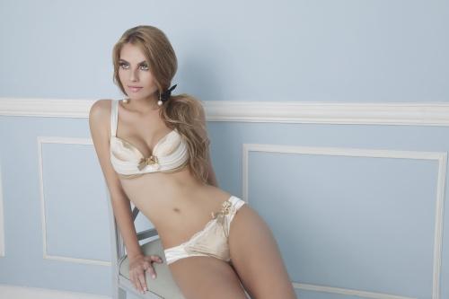 Catiane Lauser - Lingerie Photoshoot (63 фото)
