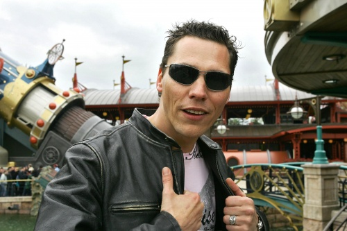 DJ Tiesto - Spacemountain 2, Disneyland, Paris, France (16.04.2005) HQ
