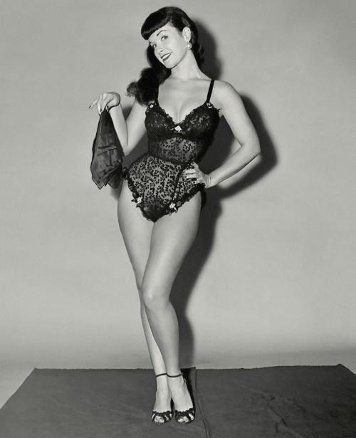 Королева пин-апа Бетти Пейдж (38 фото)