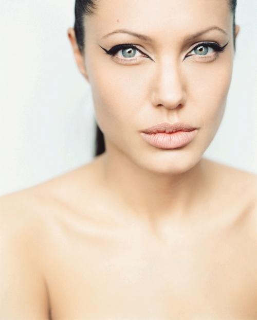 Angelina Jolie - Photoshoot for Premiere Magazine (June 2003) (19 фото)