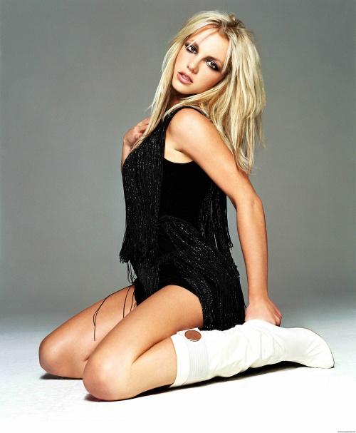 Go Britney Spears Pics - GQ UK November 2003 (33 фото)