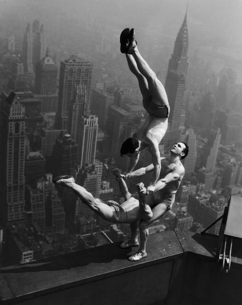 Знаменитые черно-белые фотографии 20-го века в высоком качестве (195 фото) (198 фото)