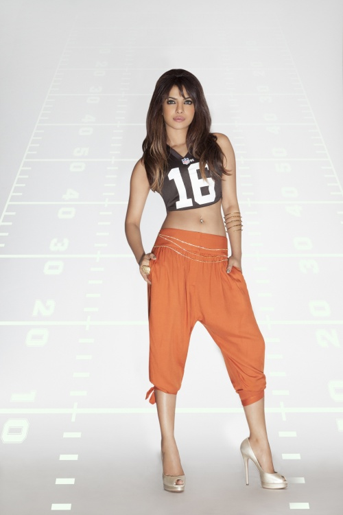 Priyanka Chopra National Football League Photoshoot (32 фото)