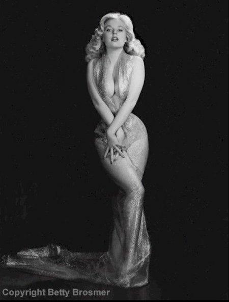 Бетти Бросмер - идеал женской фигуры 50-х годов (52 фото)