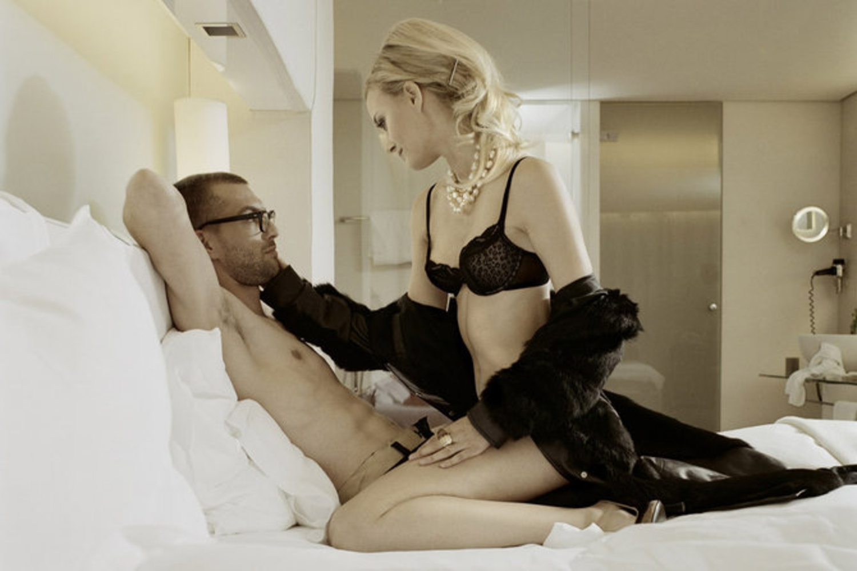 Секс в позе наездницы мужиков 13 фотография