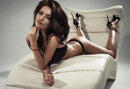 Сексуальная девушка в нижнем белье (6 фото)
