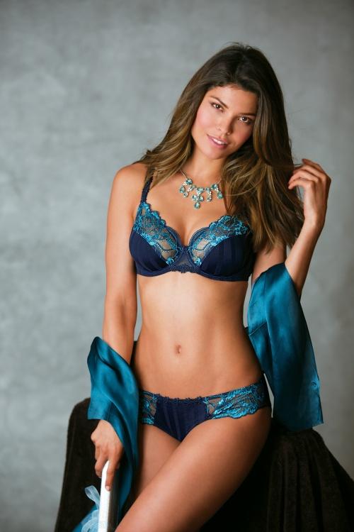 Analu Campos - Bra Smyth Lingerie 2013 (24 фото)