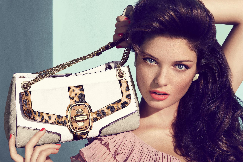 Фото девушек в брендах