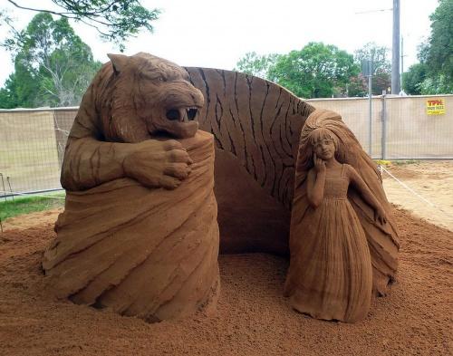 Скульптуры из песка. Художник Susanne Ruseler (17 фото)