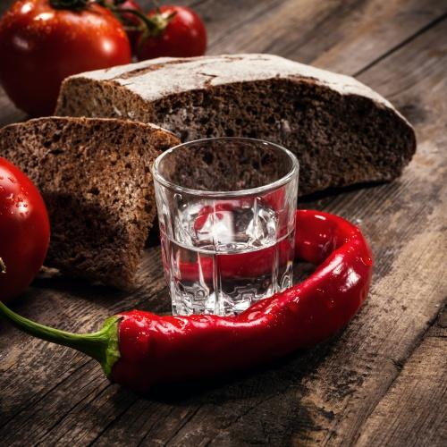 Водка с перцем и бородинским хлебом (5 фото)
