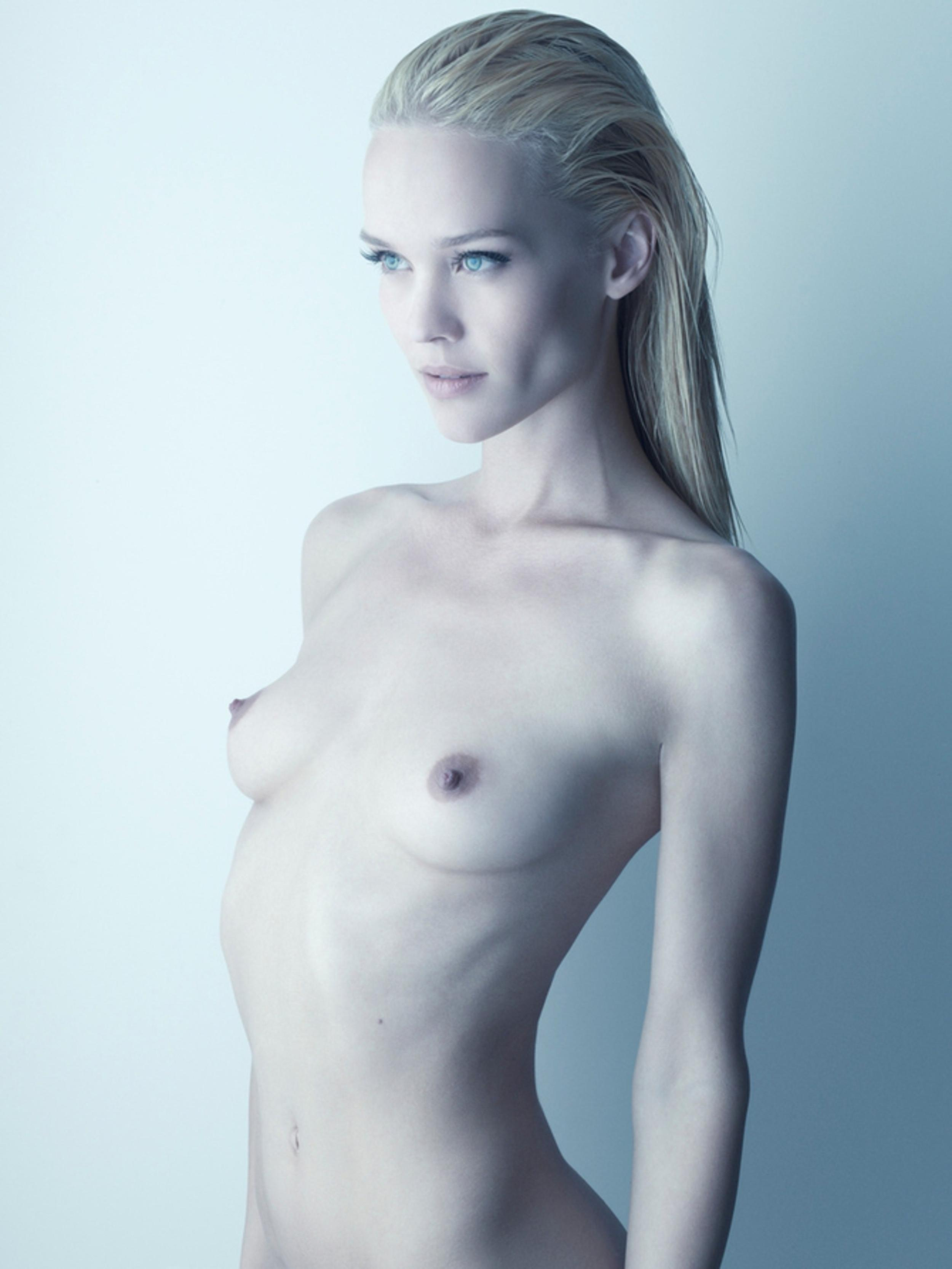 Фото малих голих дівчат 13 фотография