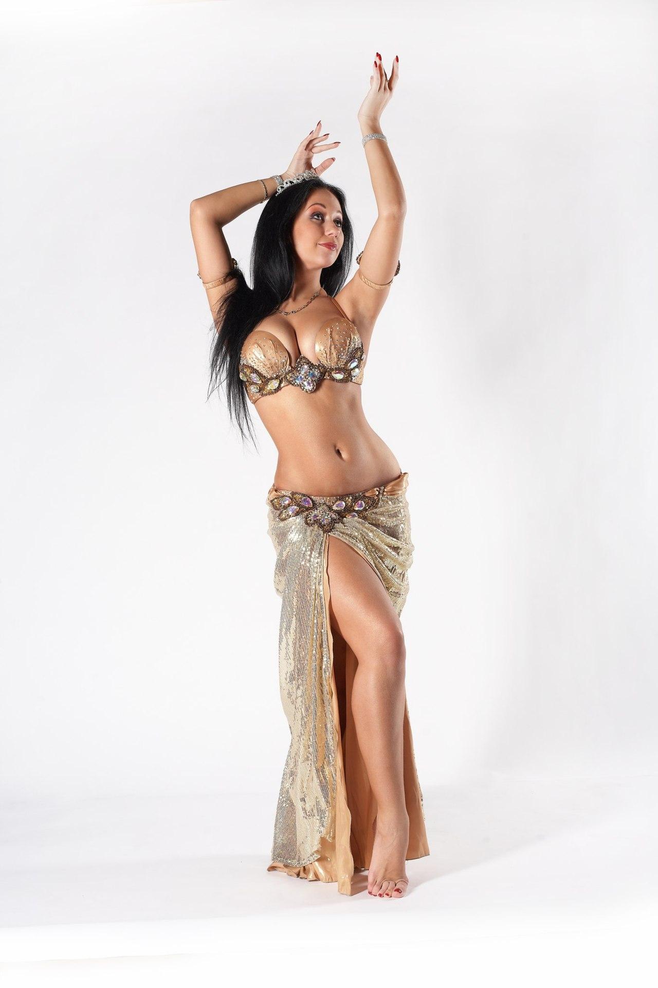 Трахают танцовщицу восточных танцев 8 фотография
