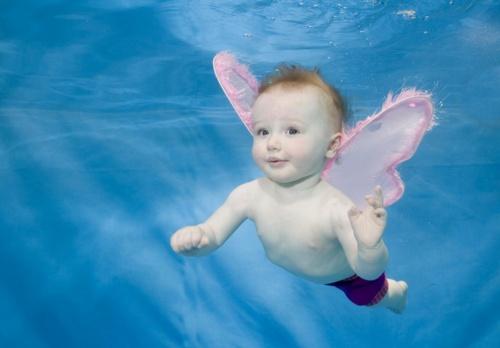 Малыши под водой... Фотограф Phil Shaw (19 фото)