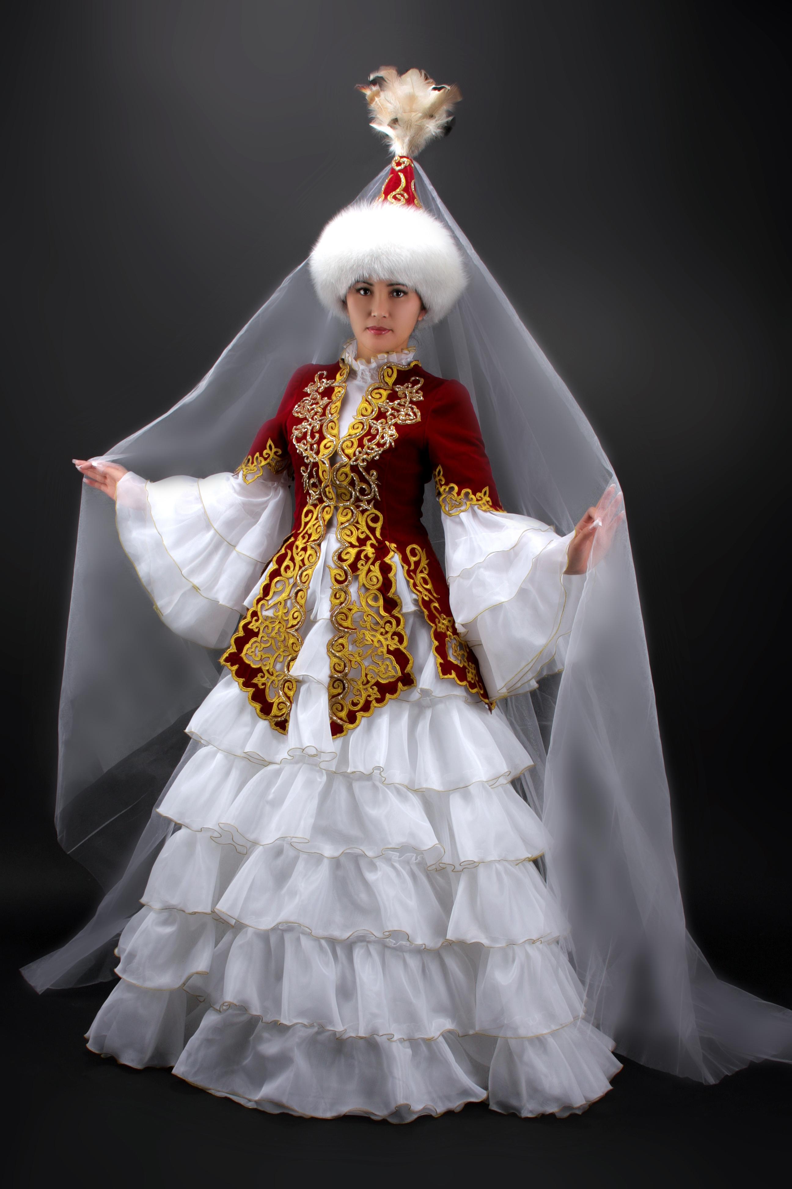 Картинки девушки в национальном казахском костюме