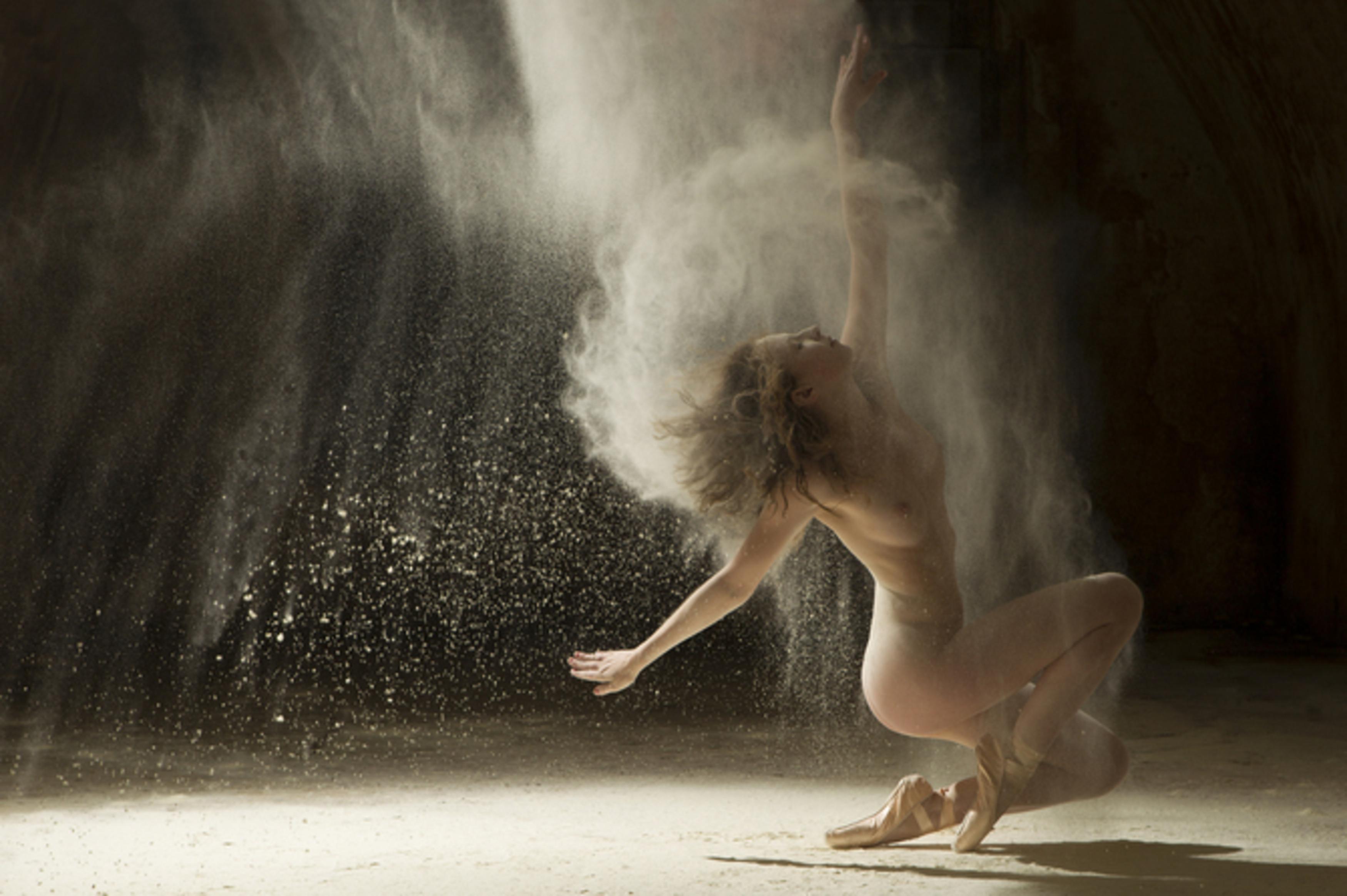 Фото голые в движении