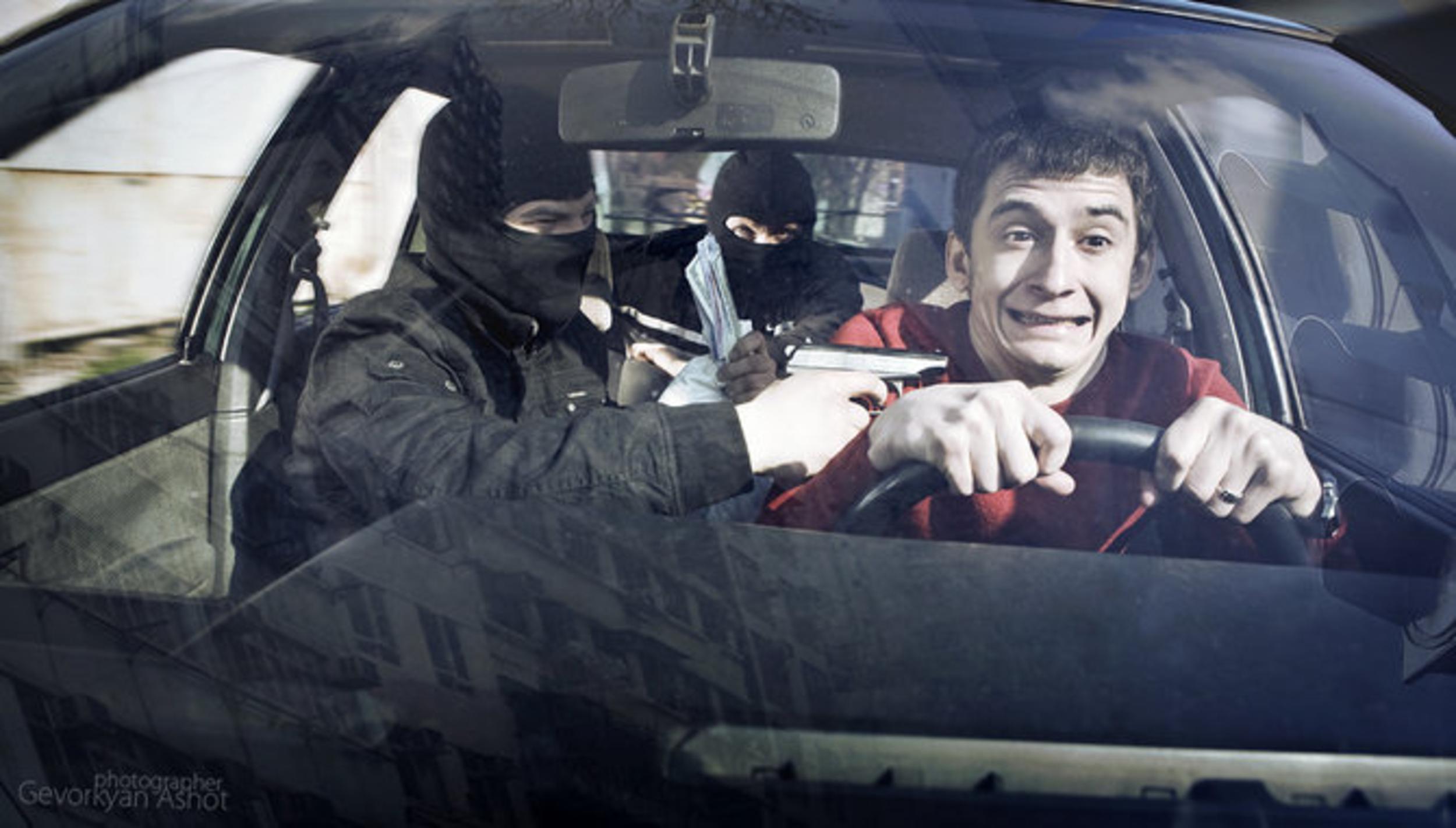 Что может произойти если сесть к незнакомцу в машину 2 фотография